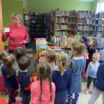 dzieci_w_biblitece (4)