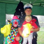 Policjanci na rodzinnym festynie