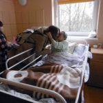 Gimnazjalni wolontariusze ze wielkanocną wizytą w hospicjum