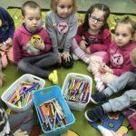 Dzień kredki w przedszkolu przy SP w Grabowie