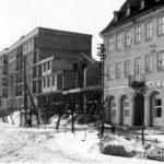 Z naszego archiwum: Wschód i zachód placu Zwycięstwa w budowie