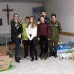 Wolontariusze z SP5 im. Noblistów Polskich pomagają potrzebującym