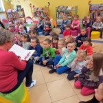 dzieci_w_biblitece (3)