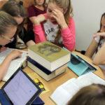 Słowniki, encyklopedie w dobie Internetu – porównujemy możliwości, poznajemy i uczymy się korzystać