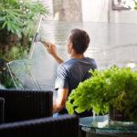Jak znaleźć odpowiednią osobę lub firmę do sprzątania?