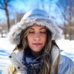 Kurtki damskie: softshell, polarowe, przeciwdeszczowe – Sprawdź, która będzie odpowiednia dla Ciebie