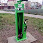 Przy ulicy Paderewskiego zamontowano samoobsługową stację dla rowerów