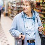 Specjalne godziny na zakupy dla seniorów w Tesco