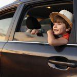 Dziecko w samochodzie – tak zadbasz o bezpieczeństwo pociechy w czasie podróży