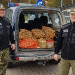 Gołdapscy funkcjonariusze SG ruszyli z zapasami na zimę